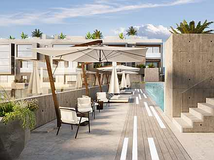 Balearen, Spanien - Rooftop terrace with swimming-pool