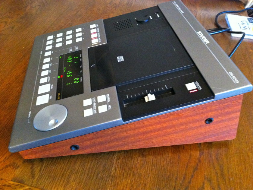 Studer D 730 CD Player D730 Professional reference cd player