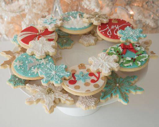 Wreath of Christmas cookies