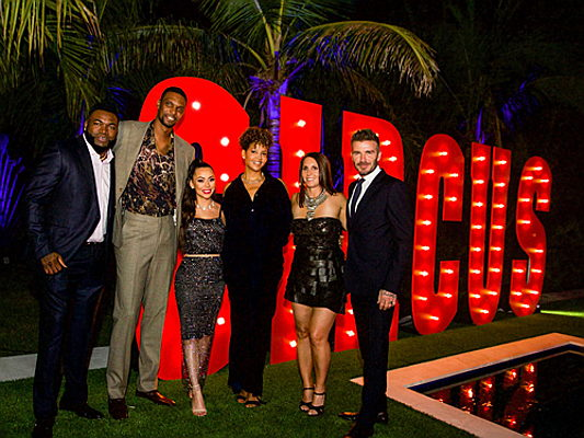 Sintra - Red Sox player David Ortiz with basketball player Chris Bosh and David Beckham, © Infinite Creations