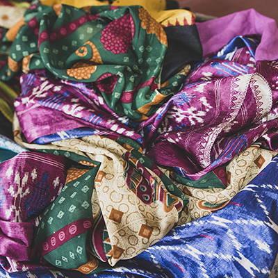 act for ethics, mouvement social et solidaire, commerce équitable, indépendance des femmes , saris népalais, tapis de yoga, upcycling