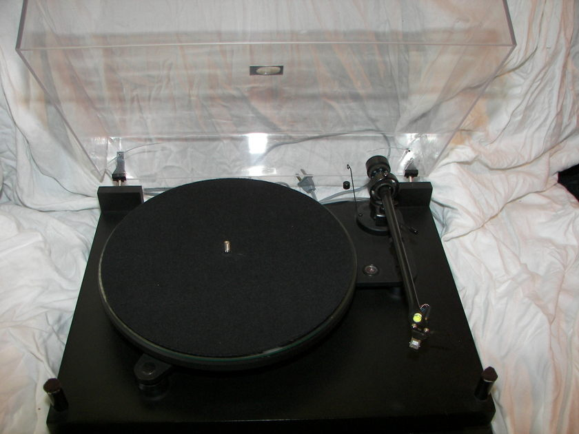 Pro-ject 6.1 Turntable