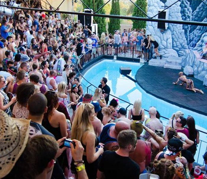 Clubs with pools and day parties in Ibiza, Benimussa Parck