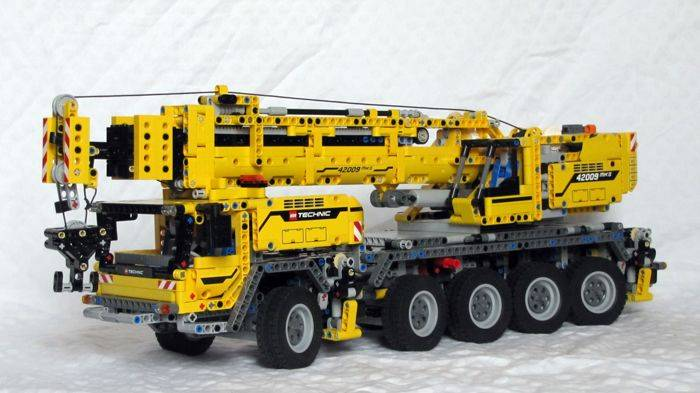 lego 42009 crane size
