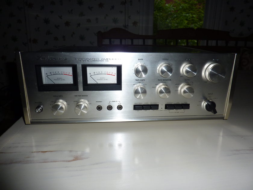 Accuphase E-202 Excellent condition, just serviced!