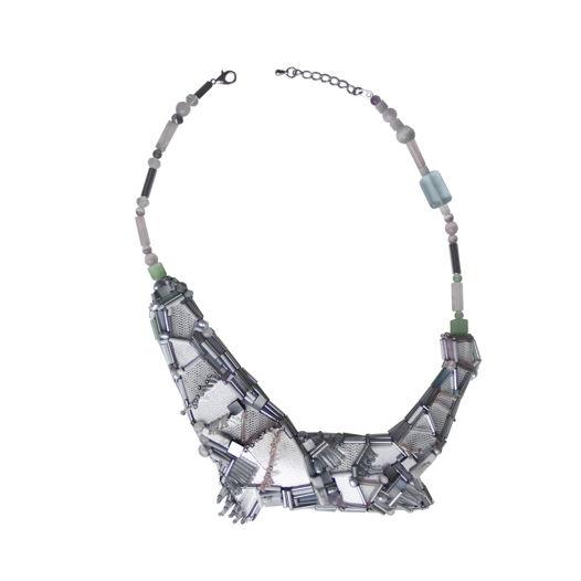 Асимметричное колье из пластика, стекляруса и натуральных камней