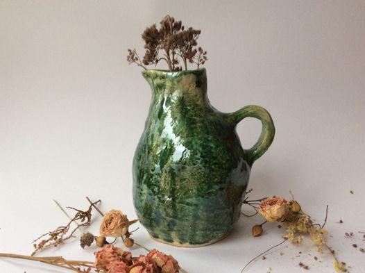 Зеленая ваза для сухоцвета