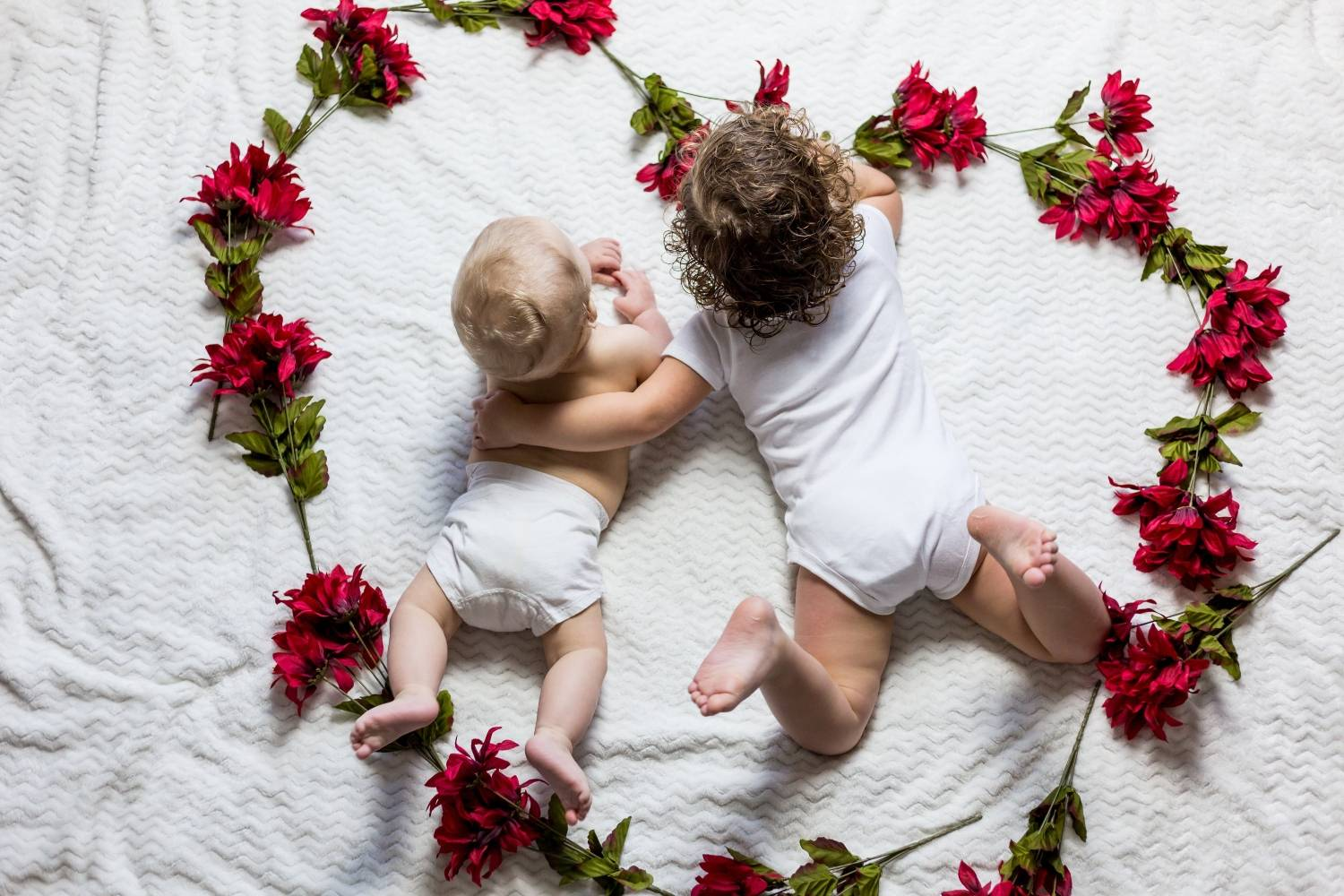 how to deliver your newborn photos to your client