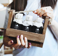 Подарочный набор из 6-ти видов сыродавленных масел, в деревянном ящике