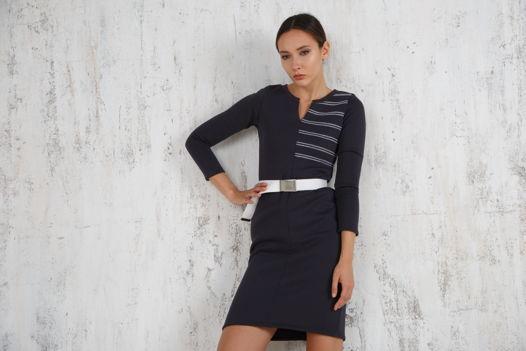 Платье - футляр теплое с декоративной отстрочкой