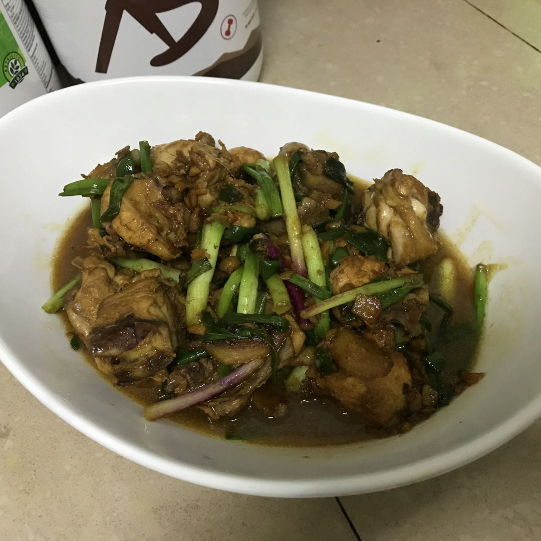 During CMCO, tonight I cooked ginger onion chicken.