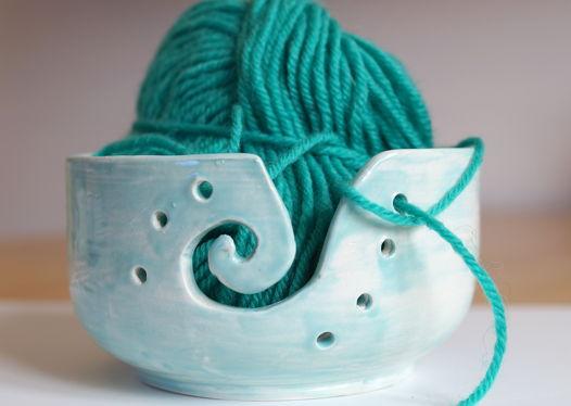 Керамическая клубочница бирюзового цвета