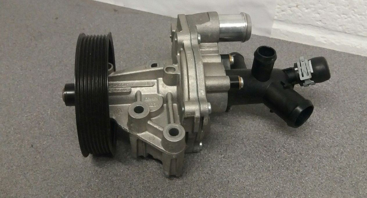 Land Rover Defender 2.2 TDCI Puma Water Pump LR071294's featured image