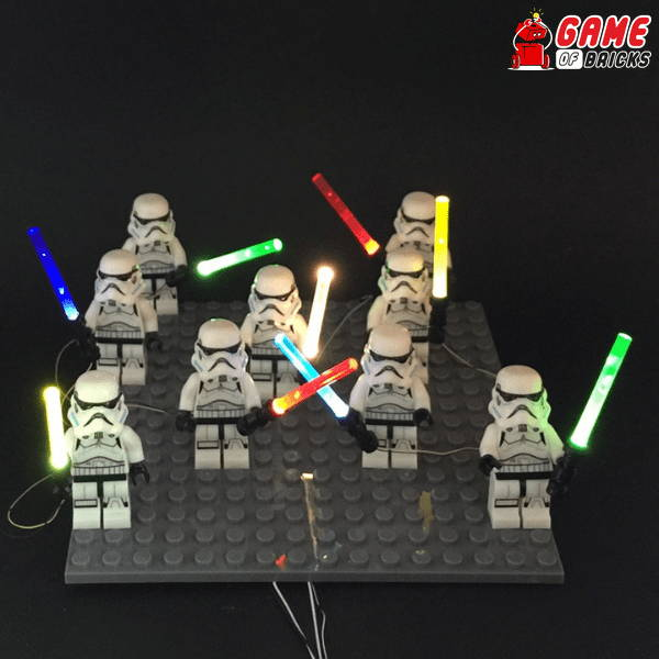 minifigs with lightsaber