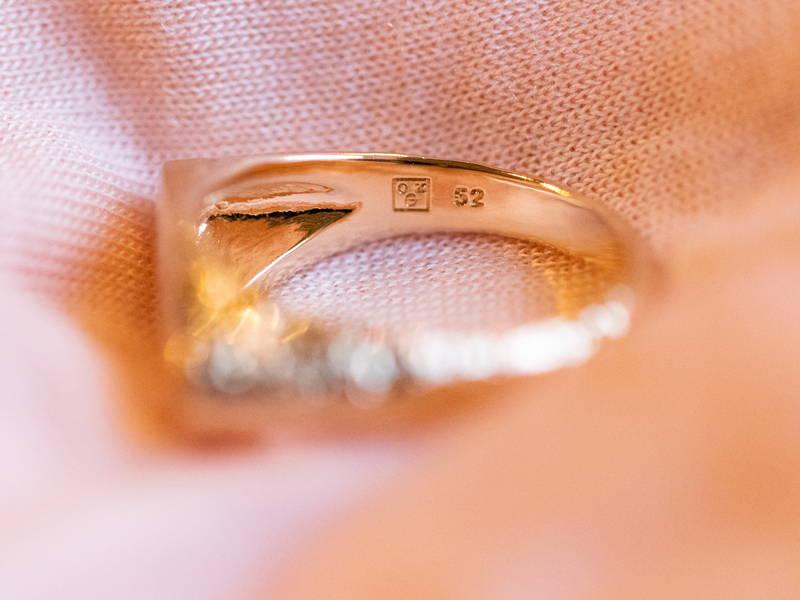 poinçon d'un bijou en plaqué or
