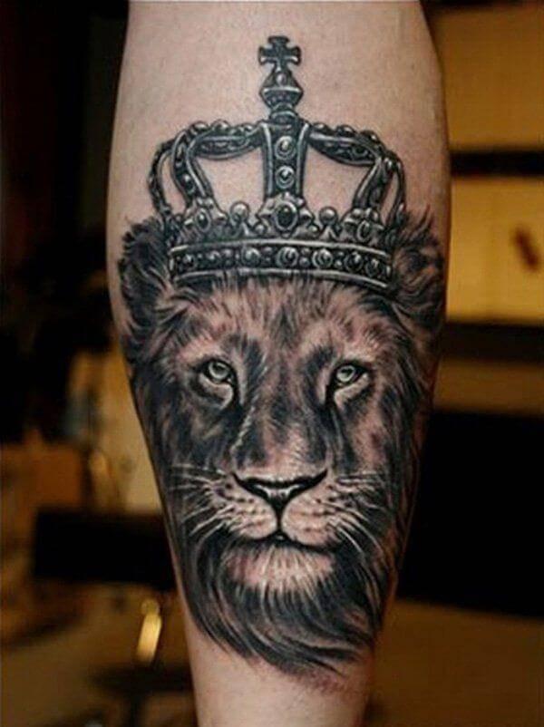 Tatouage Lion Couronne Croix