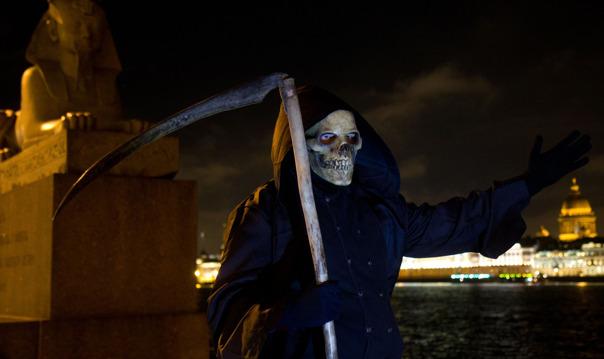 Прогулка со Смертью по Васильевскому острову