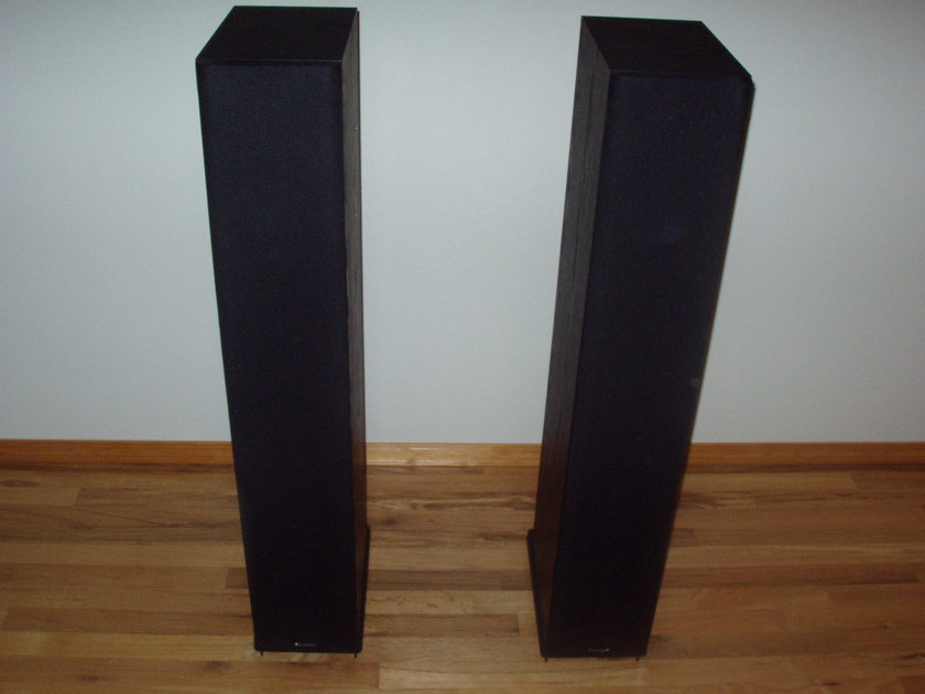 Paradigm Monitor 9 v7 Speakers LIKE NEW Condition!