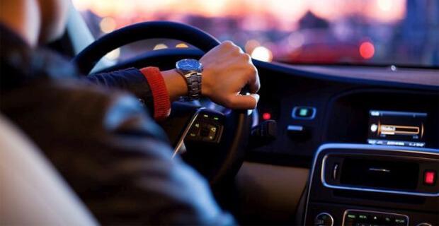 Орловские водители в радиоэфире смогут благодарить друг друга за вежливость - Новости радио OnAir.ru