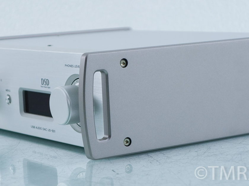 Teac  UD-501  DSD DAC / Headphone Amplifier (9579)