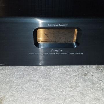 Cinema Grand Sig II