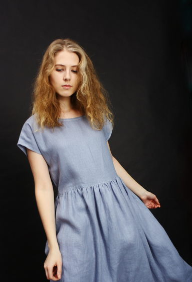 Платье льняное сероголубое