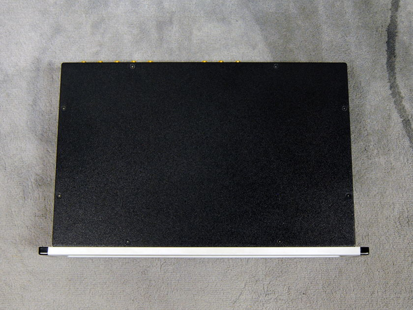 Spectral DMC-30 SL Pre-amplifier