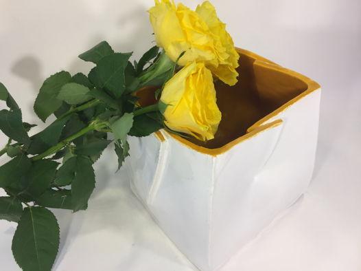 """Квадратная керамическая ваза ручной работы """"Песочный квадрат"""", белая. Ширина 15 см."""