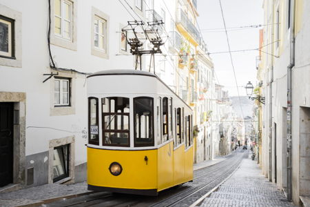 LIS tram PickYourDay.jpg