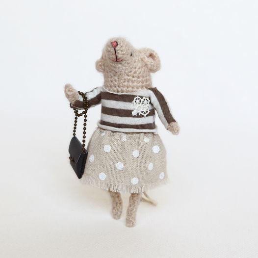 Вязаная мышка Бенедикт