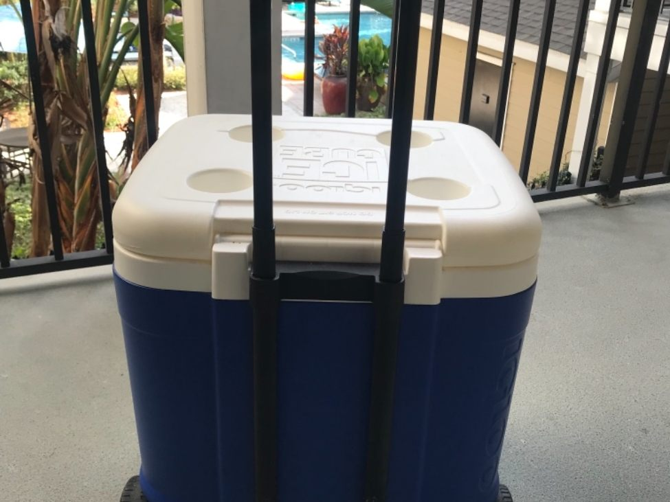 RENTERS BAY: Big Cooler for a large group with wheels