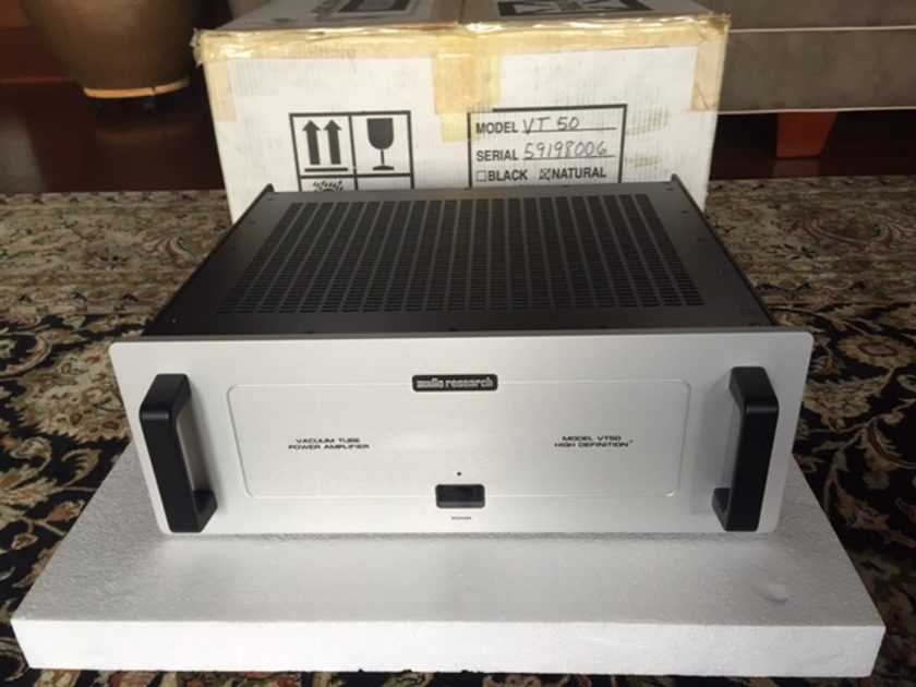 Audio Research VT-50 VACUUM TUBE STEREO AMPLIFIER