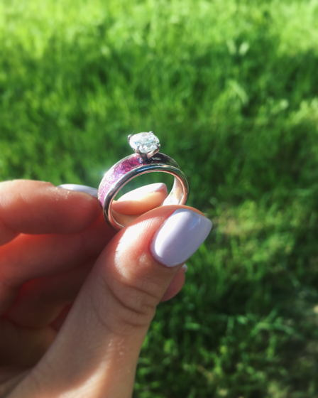 Кольцо серебряное с горячей эмалью и фианитом «Июль»