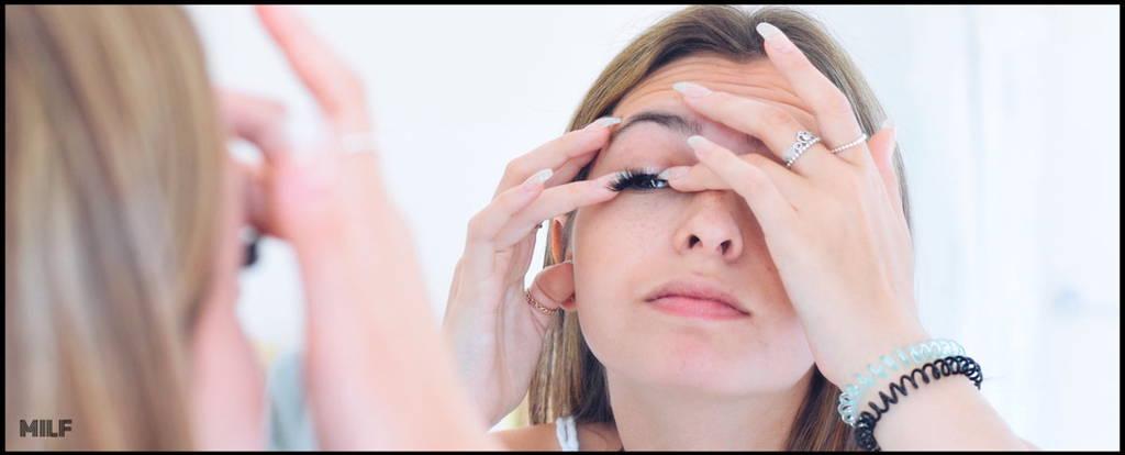 Maquillage des yeux grâce aux faux cils magnétiques