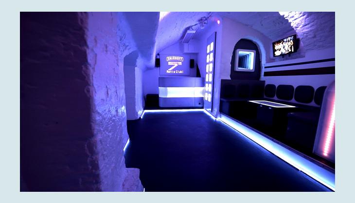 basement sitzecke flur blau