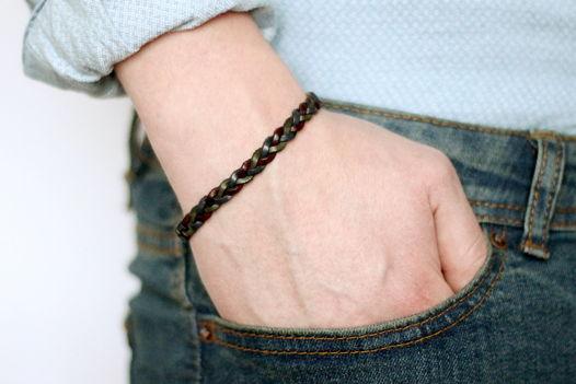Мужской кожаный браслет плетеный черный