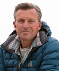 Ed Viesturs lent his unimpeachable credentials and storytelling abilities to the affair.