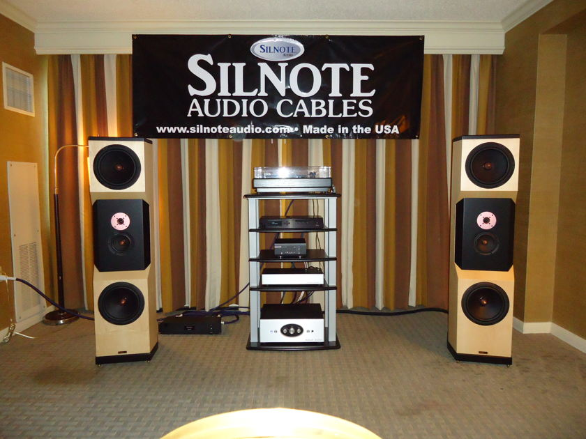 SILNOTE AUDIO at AKFEST 2012 Poseidon Signature RCA  24k Gold/ Silver  1 meter pair Interconnects  Awesome Reviews on SILNOTE AUDIO CABLES !!