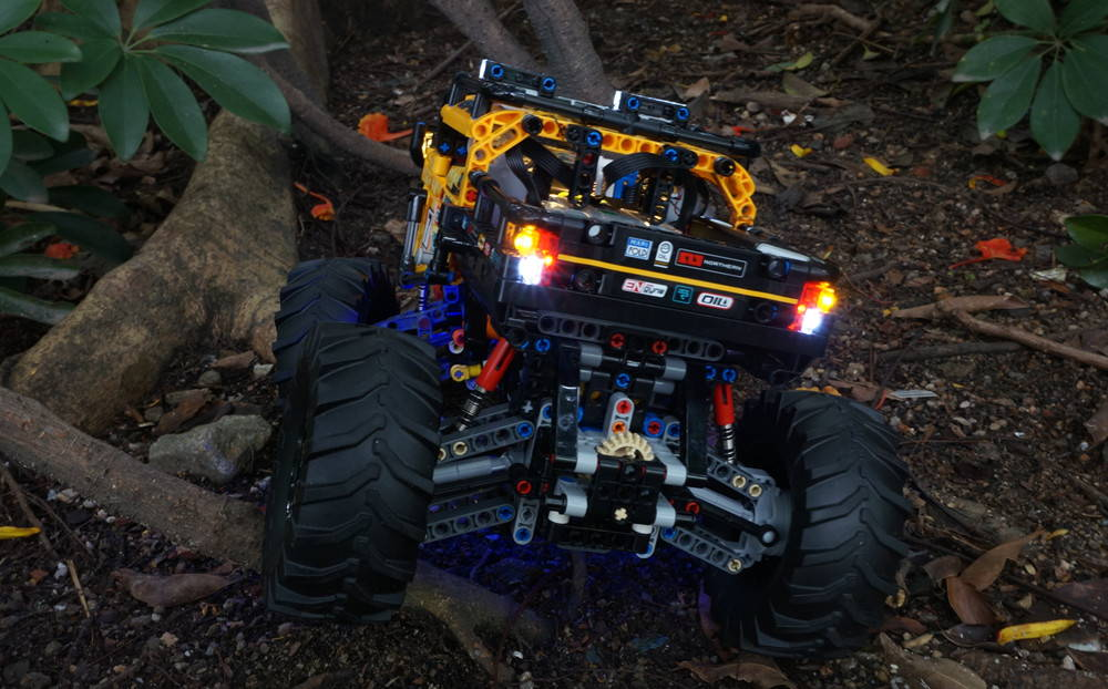 LEGO 4x4 X-Treme Off-Roader 42099 light kit