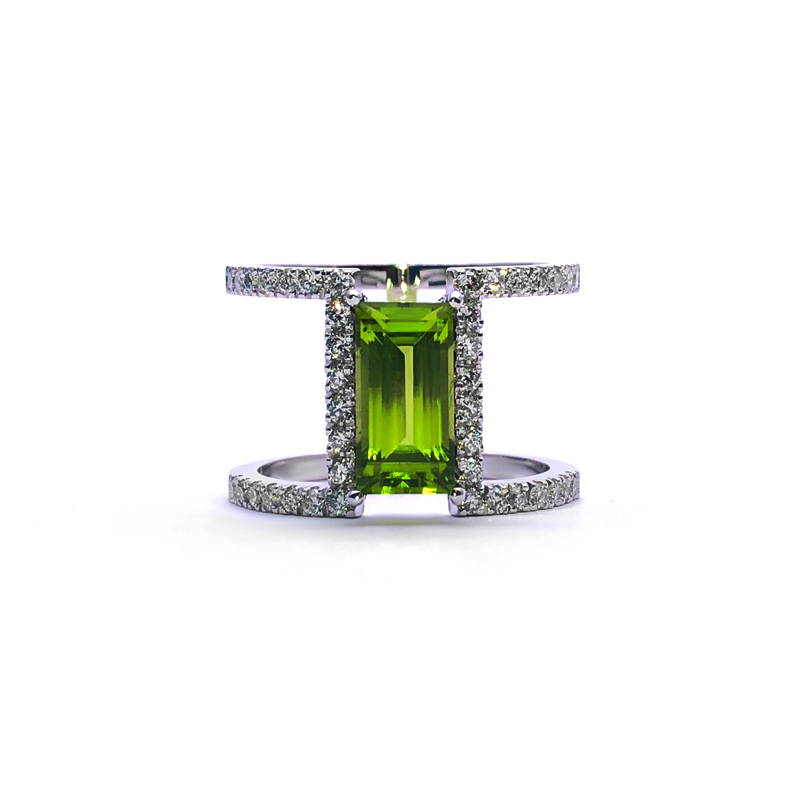 H-shaped ring with peridot and diamonds