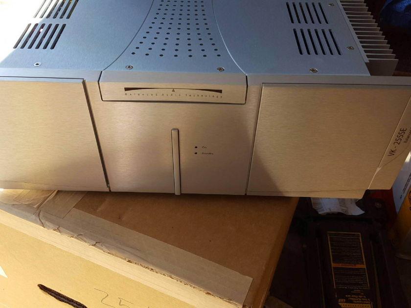 BAT Balanced Audio Technology VK255SE Power Amplifier