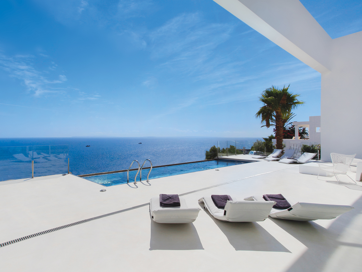 Apartments, fincas and villas on Ibiza: Increased supply of luxury homes in the premium segment