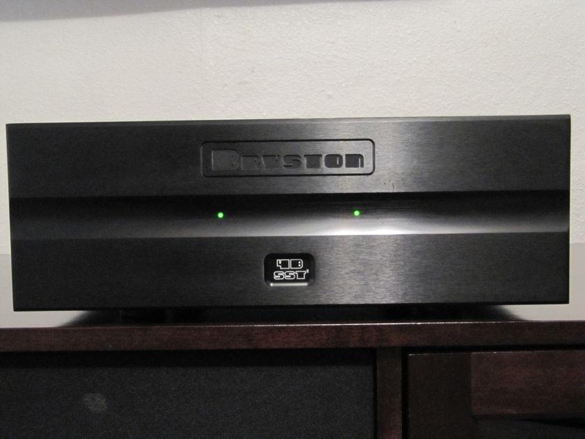 Bryston  4BSST2  amplifier BLK   with Oyaide tunami GPX-R  PC