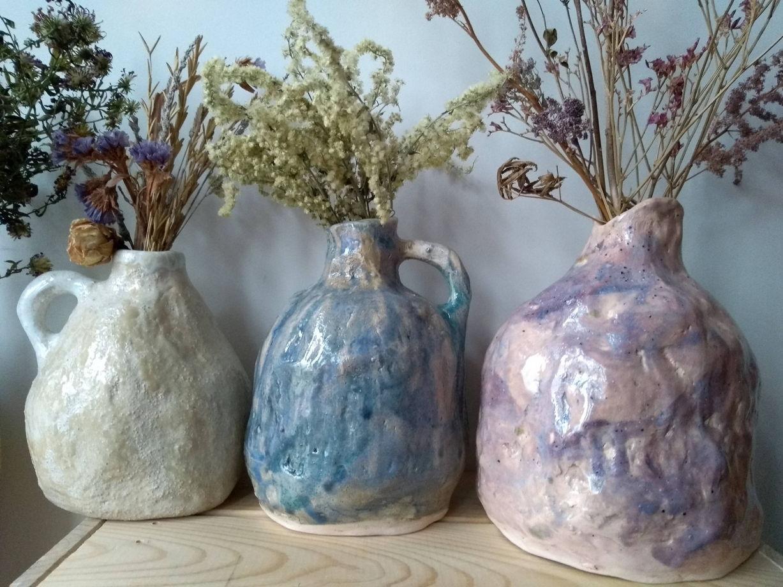 Розово-сиреневая мятая ваза