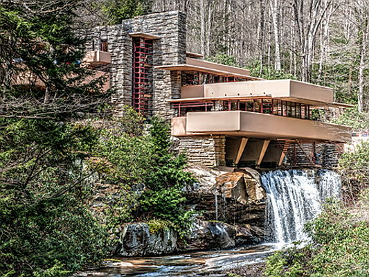 Sintra - You're probably familiar with Frank Lloyd Wright, but what do you know about his design philosophy? Here's a closer look.