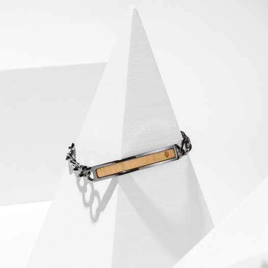 Мужской браслет со вставкой из дерева