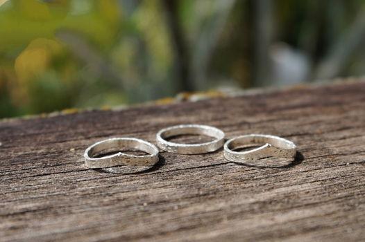 Набор из трех тонких серебряных колец на верхнюю фалангу