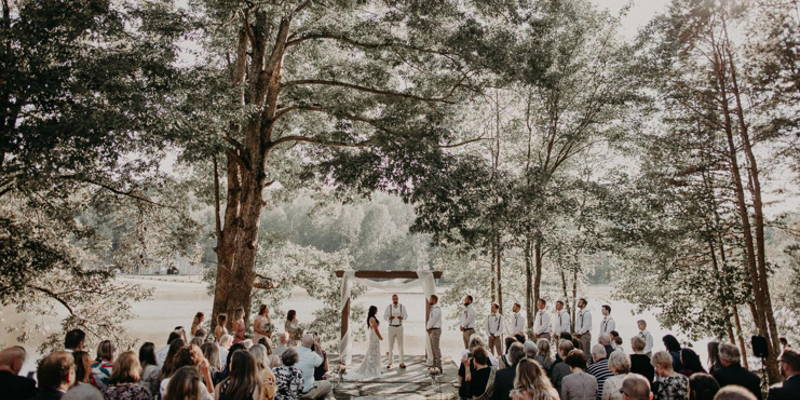 Who Stands Where During a Ceremony