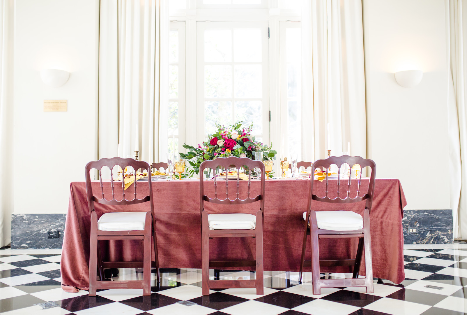 Modern Elegance in a Mansion