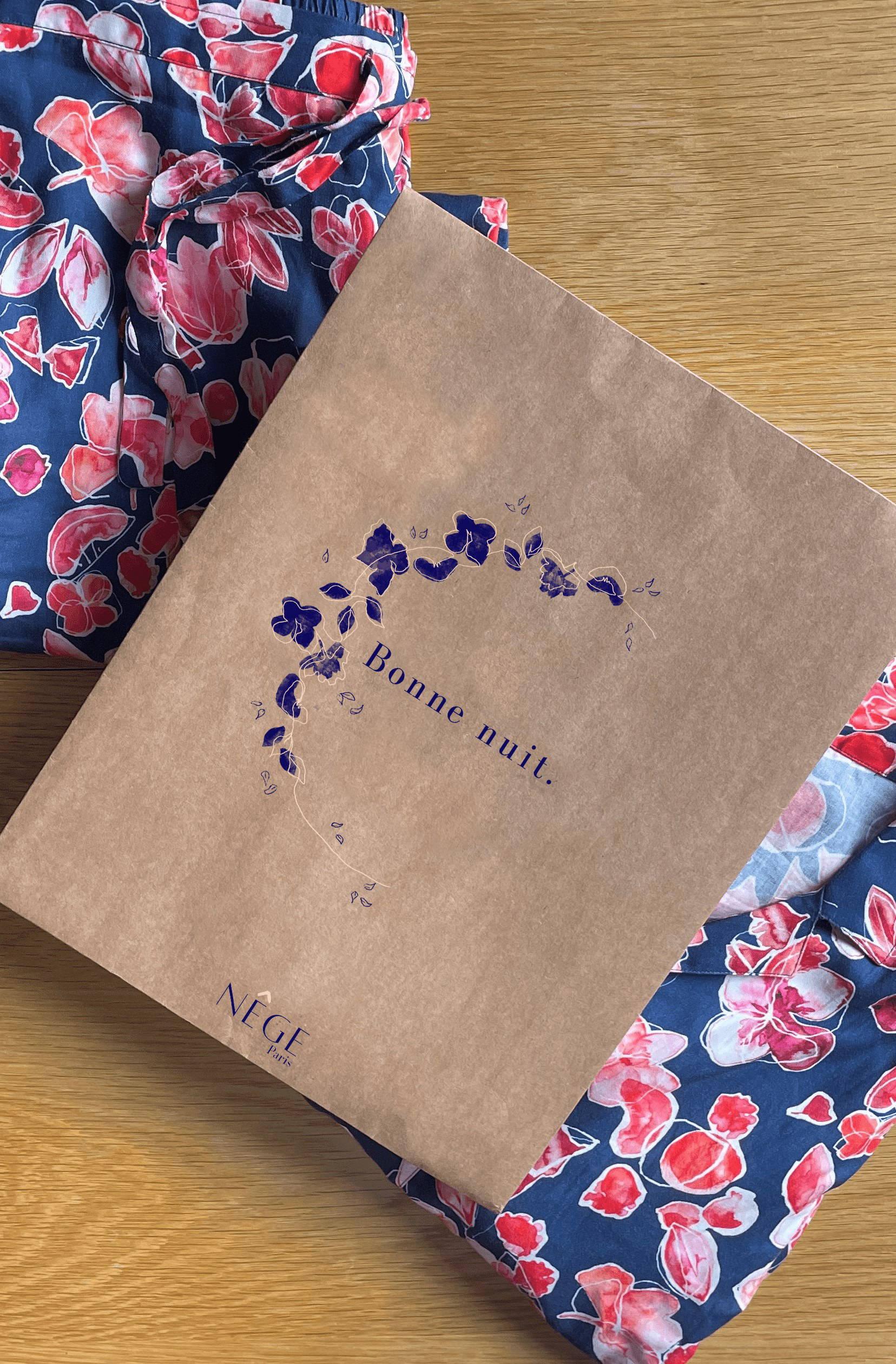 Nêge Paris - Notre enveloppe minimaliste qui emballe vos pyjamas